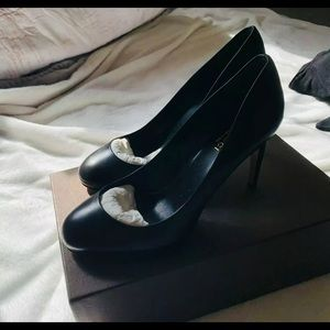 BRAND NEW & AUTH GUCCI HIGH HEELS